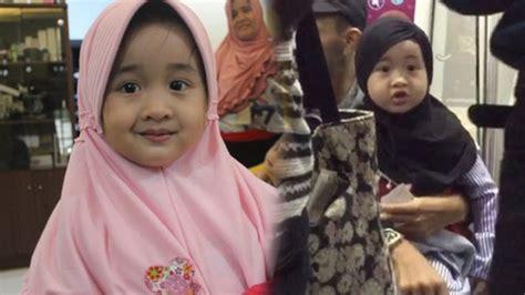 download mp3 adzan merdu anak kecil gemesnya liat anak kecil cantik ini bersholawat