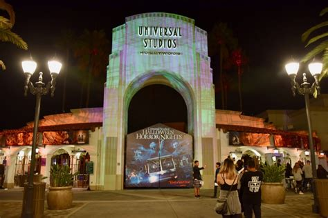 hollywood studios gate price halloween horror nights hollywood survival guide