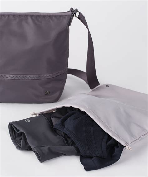 lululemon go lightly crossbody bag lululemon go lightly shoulder bag magnum lulu fanatics