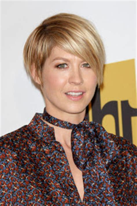 jenna elfman short hair colours short hairstyles hair care tips celebrity short style