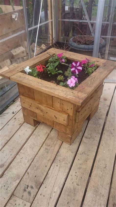 planter boxes   wooden pallets flower planters