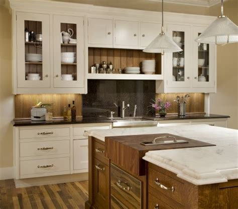 reclaimed wood backsplash kitchen inspiration