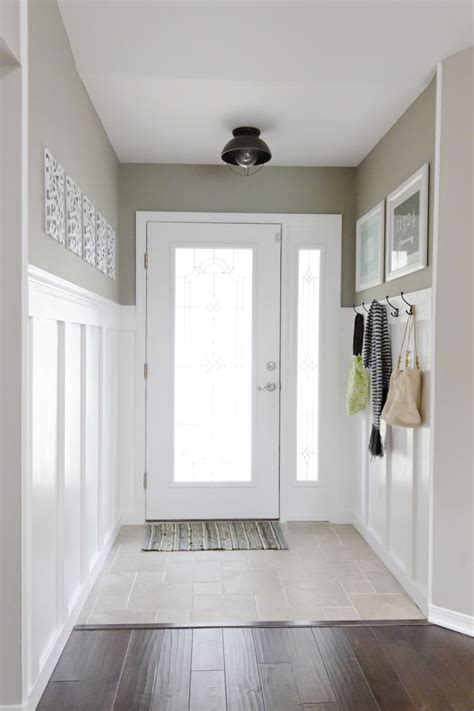 Wainscoting Hallway by 17 Best Ideas About Wainscoting Hallway On