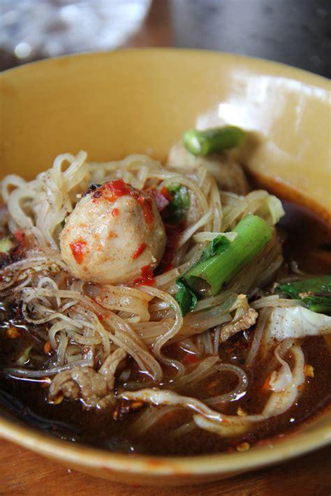 the boat noodle restaurant sud yod kuay teow reua best boat noodles