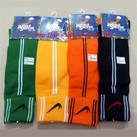 Diskon Sadel Anak Klub Bola Terlaris kaos tangan kiper murah cocok untuk futsal dan bola dari senyumummi siwahyu