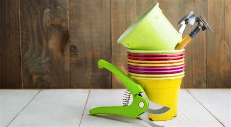 vasi per erbe aromatiche 7 consigli per coltivare le erbe aromatiche in vaso