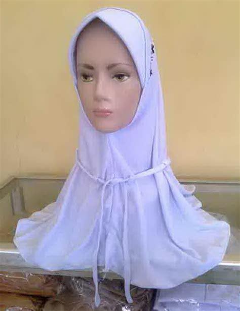 Kerudung Anak Zuna 7 8 Putih Dan Coklat Bani Batuta 1 grosir seragam sekolah termurah grosir kerudung sekolah jilbab sekolah