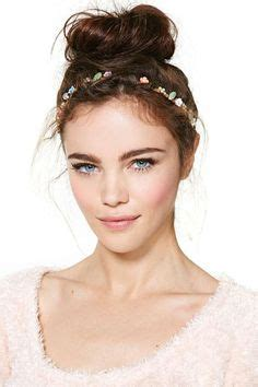 headband face shapes and hairstyles oval face shape headband hairstyles headband style hair