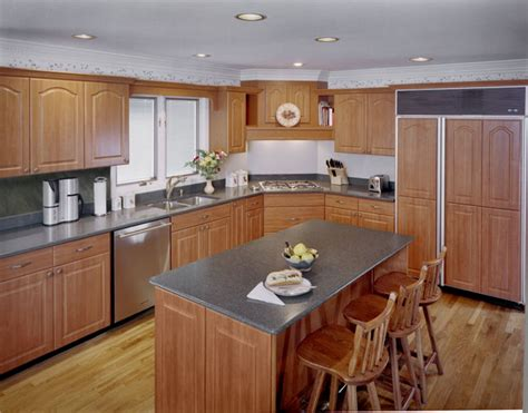 What Color Countertop With Cabinets by What Countertop Color Looks Best With Cherry Pear Cabinets