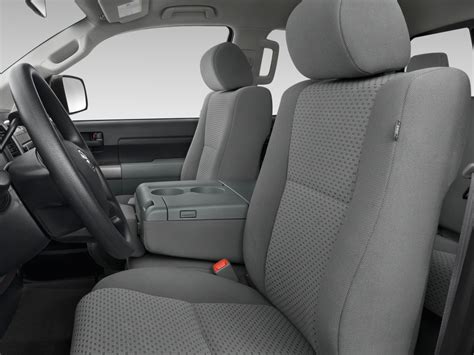 toyota tundra bench seat 2010 toyota tundra reviews and rating motor trend