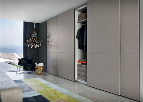 Wardrobe Doors Without Handles by Traccia Sliding Door Wardrobe Sliding Door Wardrobes By Novamobili