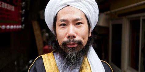tato ksatria jepang mantan tukang tato yakuza jadi imam masjid di jepang