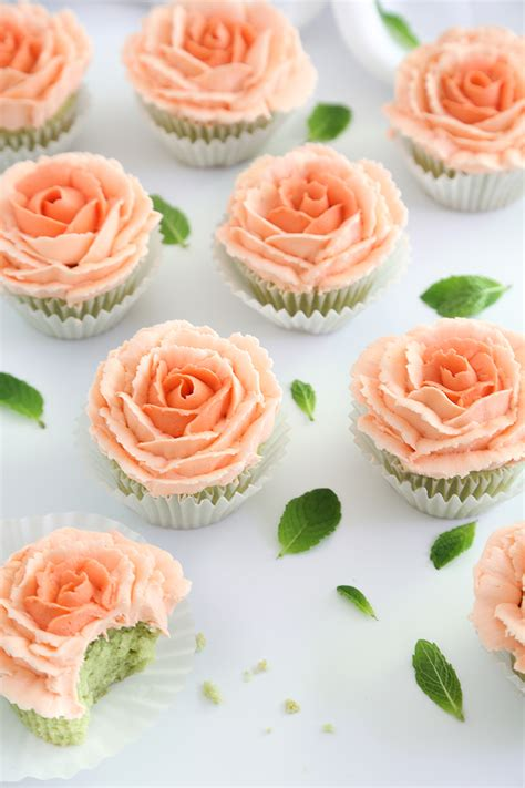 Cupcake Cake by Mint Julep Cupcakes And How To Pipe Buttercream Roses