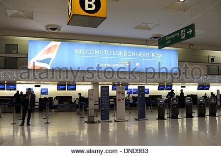 swinging club heathrow departures stock photos departures stock images alamy
