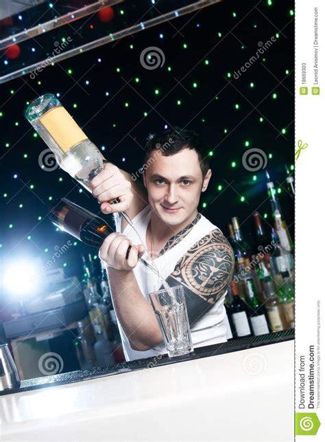 bartender photography bartender stock photos image 18669303