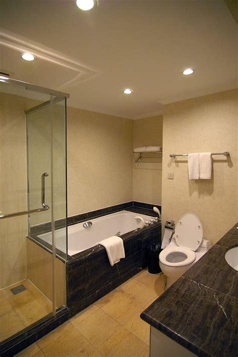 stock photo  moden hotel bathroom freeimageslive