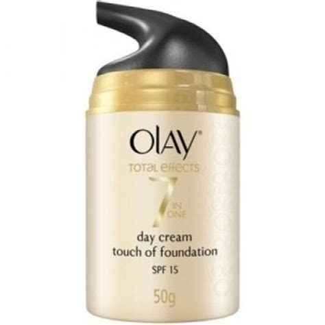 Krim Malam Olay Total Effect olay total effects 7 in one day touch of foundation spf 15 50gr