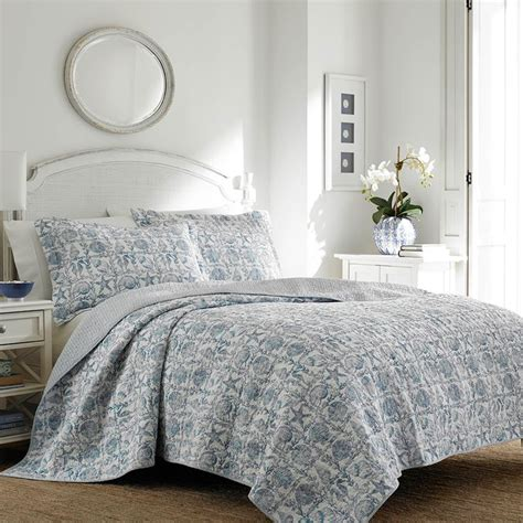 laura ashley quilts and coverlets 1000 images about laura ashley bedding on pinterest