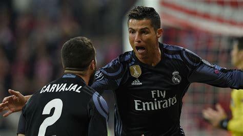 Cristiano Ronaldo Tiga ronaldo kemenangan ini untuk fans sundul