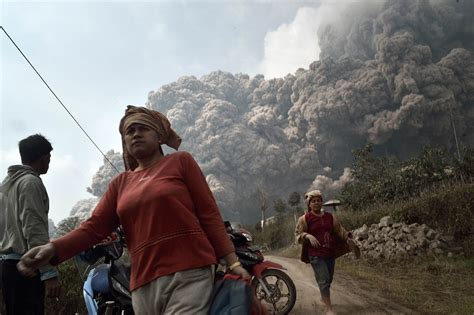 living on the volcano death toll from indonesian volcano eruption rises to 16 the japan times