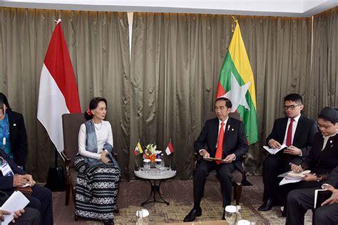 joko widodo in joko widodo meets sultan of yogyakarta zimbio daw aung san suu kyi meets separately with indonesian