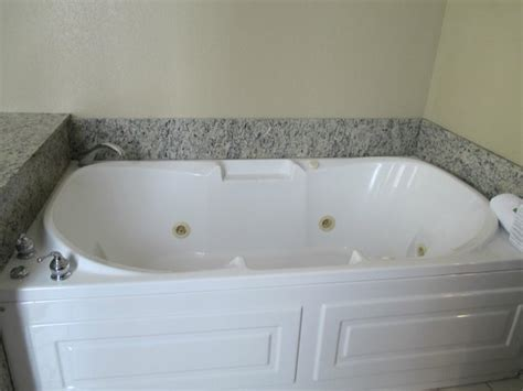 garden tub picture of inn express cleveland