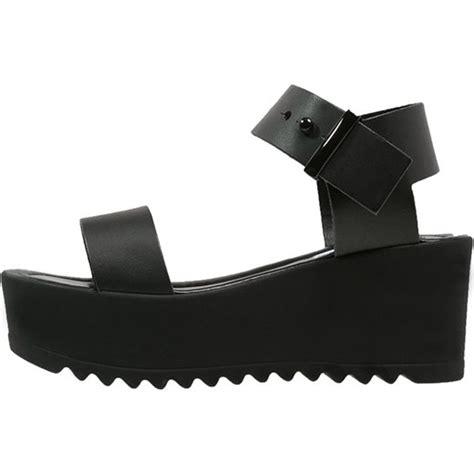 Madden Company Of Steve Madden Rosegold black platform sandals steve madden surfside