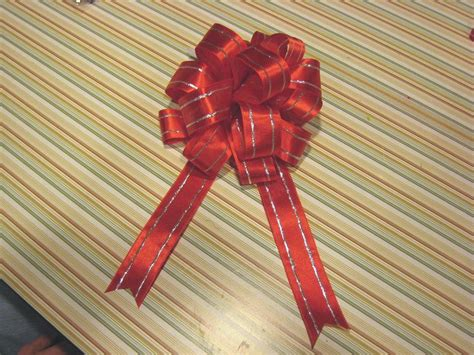 how to your to bow how to make a ribbon bow for a wreath www imgkid the image kid has it