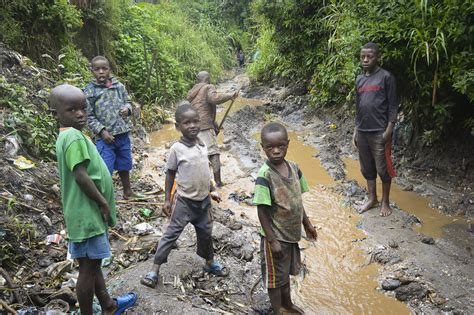 democratic republic of congo child labor mining in mineral rich drc widespread poverty is driving