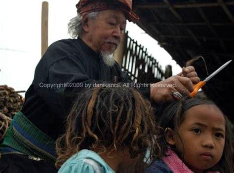 Rambut Gimbal Per Batang ruwatan upacara pemotongan rambut gimbal dzulfikar yodhi