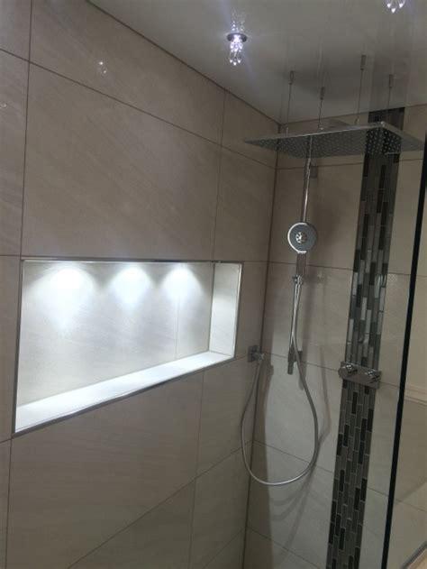 beleuchtung nische dusche badumbau mit lackspanndecke