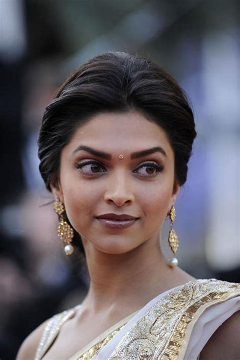 indian woman hairstyle 25 best ideas about indian wedding hairstyles on
