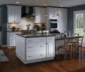 Can Kitchen Cabinets Be Painted by Can Thermofoil Cabinets Be Painted Chism Brothers Painting
