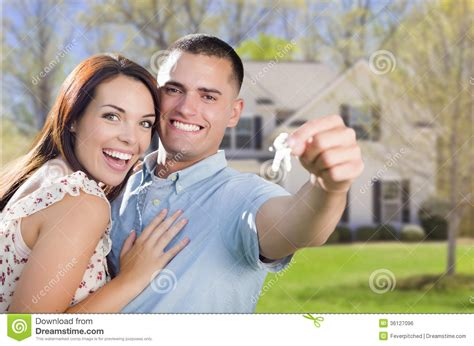Free For Couples With House In Front Of New Home Stock