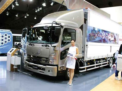 truck display   tokyo motor show