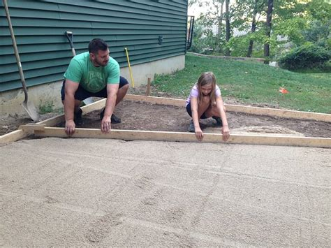 Leveling A Bathtub by Tub On A Budget Plus How To Install A Paver Patio