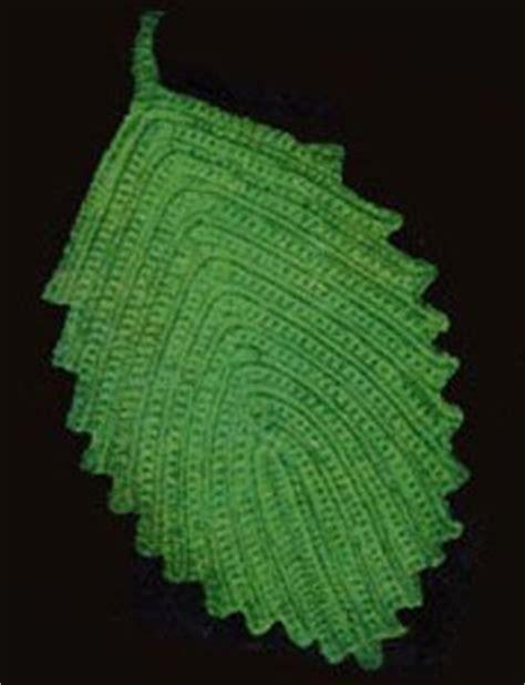 pattern for leaf potholder free pattern crochet vintage pattern leaf hot plate