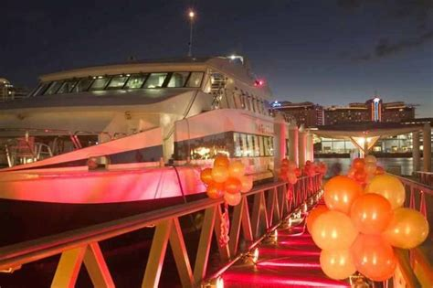 exclusive sydney nye fireworks cruise for 50 guests on vip