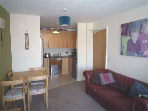 Cardiff Room Rent by 2 Bedroom Apartment To Rent In Aquila House Falcon Drive