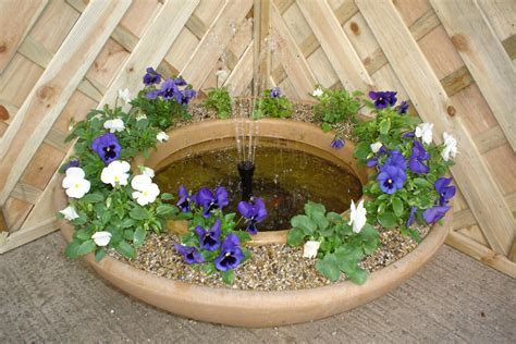 Patio Water Garden by Bermuda Stow Patio Pond Water Feature Gardensite Co Uk