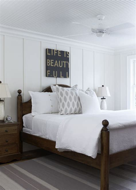 Wainscoting Bedroom Ideas by 25 Best Ideas About Wainscoting Bedroom On