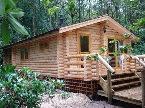 Buy A Log Cabin To Live In by Small Log Cabin Cabins Chalets