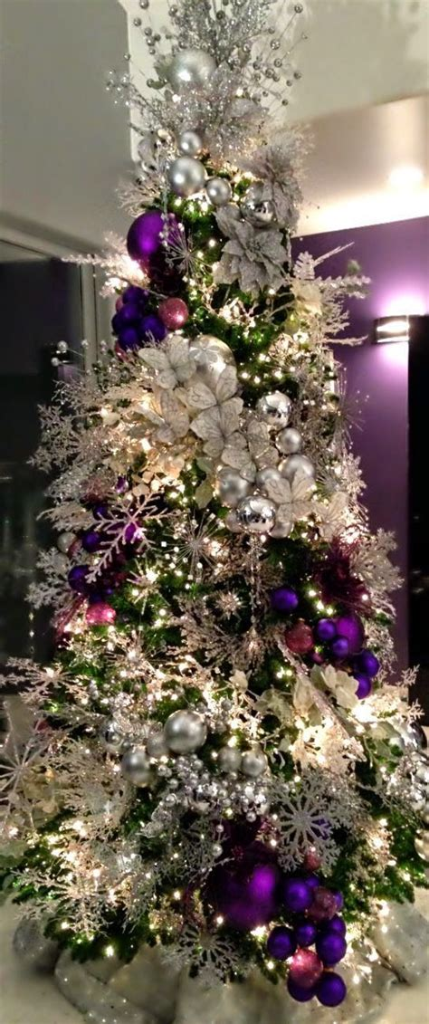 what a gorgeous tree in purple and white christmas tree