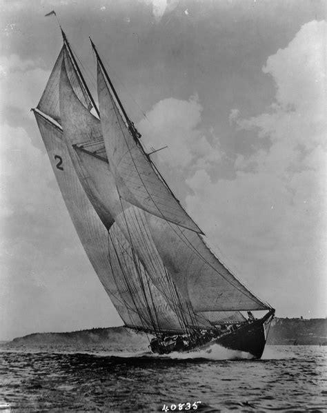 Filebluenose Sailing  Png Wikimedia Commons