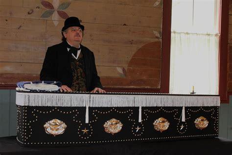 abraham lincoln in coffin abraham lincoln funeral open casket www pixshark