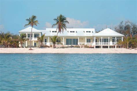 Oceanfront Estate In Islamorada Luxury Vacation Rental Luxury Beachfront Homes For Rent In Florida