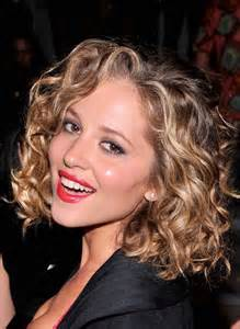 wave perms for chin lenght hair 25 best ideas about medium curly bob on pinterest