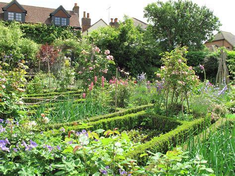 Hanging Vegetable Garden Hanging Vegetable Gardens
