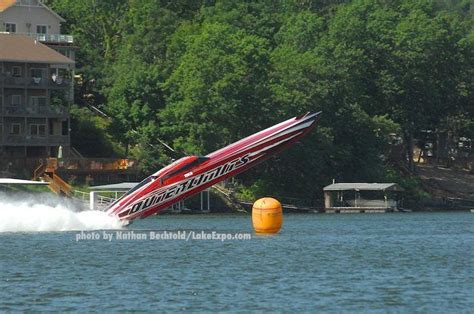 outerlimits boat crash outerlimits crashes at shootout lakeexpo lake events
