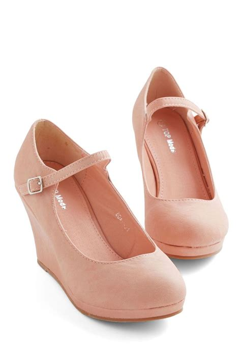 who neutral wedge in blush mid faux leather pink
